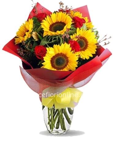 Acquisto Fiori On Line.Bouquet Di Girasoli E Rose Rosse Fiorista Consegna Fiori E