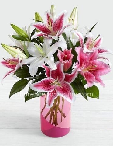 Mazzo Di Fiori Online.Mazzo Di Lilium Assortiti Fiorista Consegna Fiori E Piante A